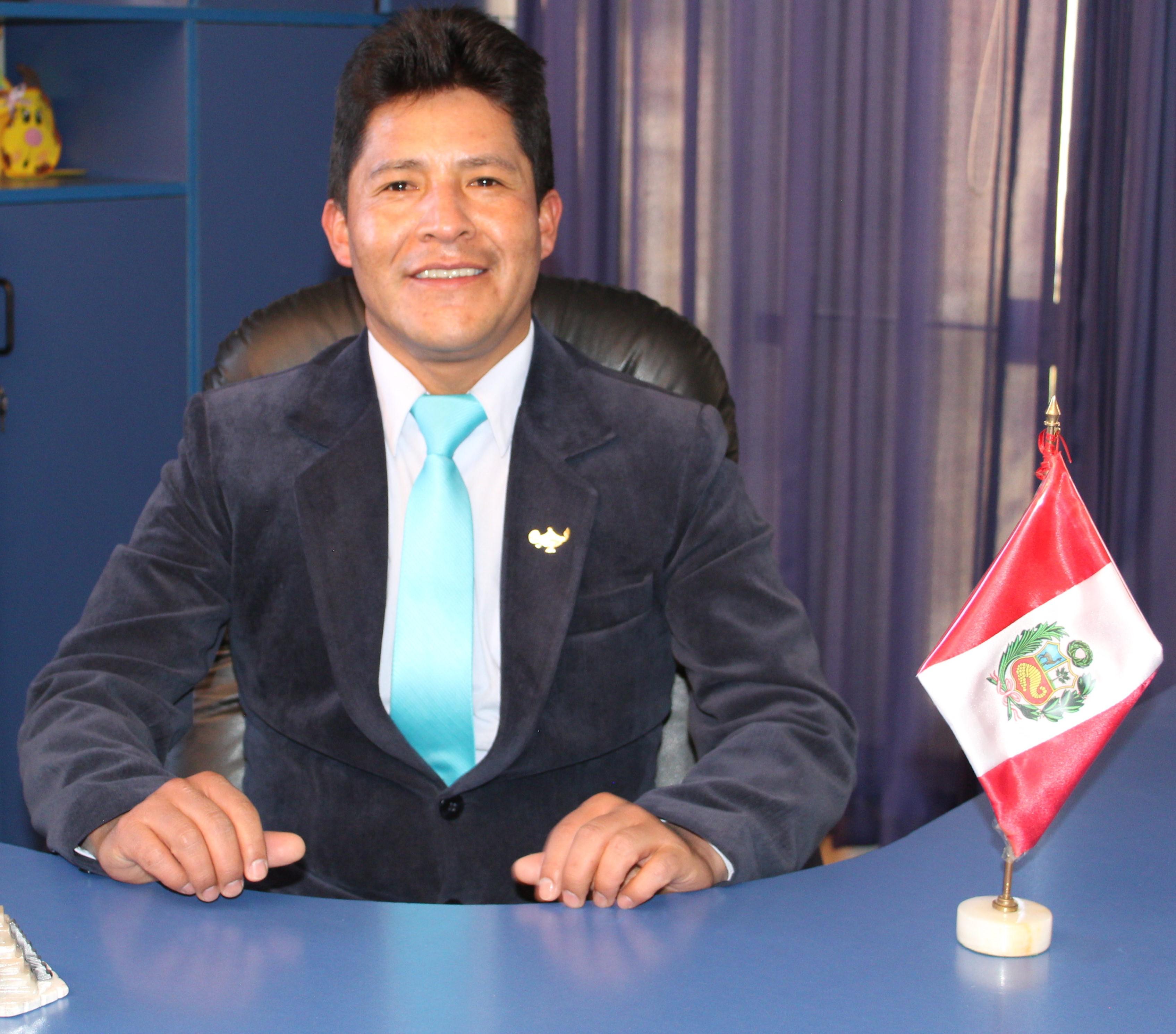 Dr. Arnaldo V. Capcha Huamani